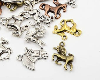 Set of 10 charms mixed horse