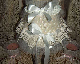 Romantic and shabby! stunning shade day ruffled vintage lace