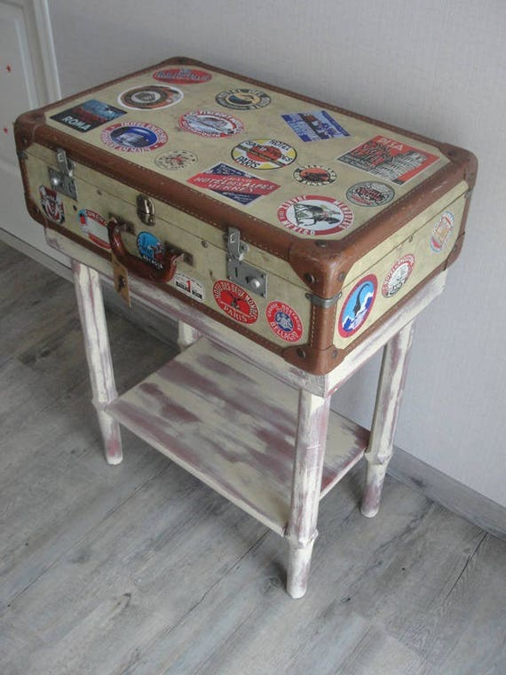objet d tourn meuble valise vintage aventurier tintin. Black Bedroom Furniture Sets. Home Design Ideas