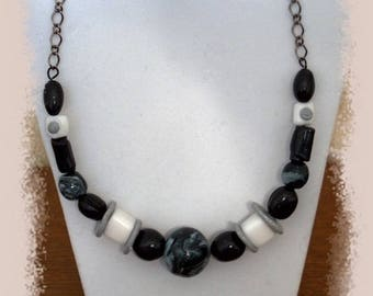 Polymer necklace black and white