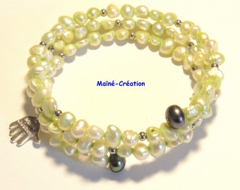 Cultured Freshwater Pearl memory Wire Bracelet