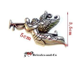 Angel antique silver trumpet pendant scrapbooking embellishment. Size 5cmx 3.5 cm. Unit.