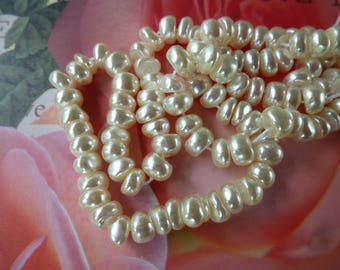 white freshwater pearls vintage Pearly Czech glass in romantic style 4 cm
