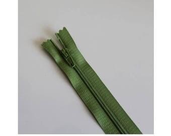 Green not separable zipper tender 18 cm, couture quality zipper