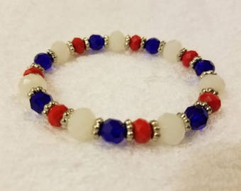 Red, White, and Blue glass bead bracelet