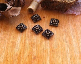 10 cups altea bronze square shape decorated with dots, 8 x 8 mm