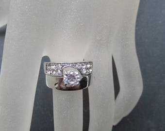Rings Silver cubic ZIRCONIA and rhinestone diamond color set of 2 beautiful engagement jewelry