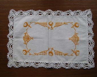 Traditional embroidery (No. 39) hand embroidered doily