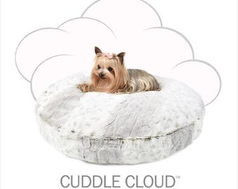 Peluche Plush Cuddle Cloud Round Dog Bed in Snow Leopard
