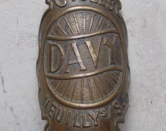 Old bike plate Davy Neuilly Collection Head Badge Bikes Cycles bicycle
