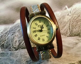 Ladies XS Roman numerals watch oval brass bracelet Brown, silver chain and glitter gold