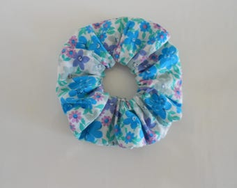 Turquoise flowers scrunchie