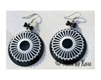 Winter Sun earrings pierced black & white Vintage