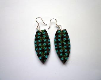 Pierced ears pattern Kaleidoscope, blue and black