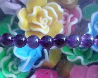 5 Amethyst beads in 4mm in diameter, hole 1 mm