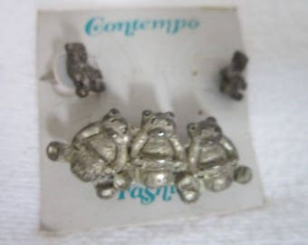 Contempo Three Bear Brooch & Earring Set on Original Card
