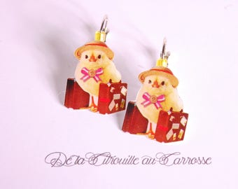 Chick Hat luggage earrings