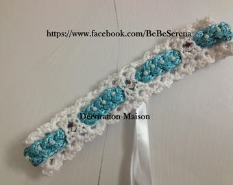 White headband with turquoise blue sky crochet braid