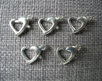 Silver heart clasp