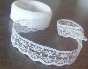Pretty white lace by the yard