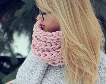 Chunky knitted soft scarf! More than 15 colors available.