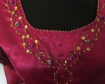 Fuchsia pink tunic for the India dance.