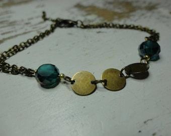 Chain and bronze sequin green bracelet