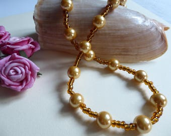 light amber color pearls necklace