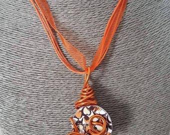 orange color wire necklace