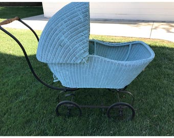 1910-1920 Wicker/Wood/Iron -- Doll/Baby Carriage, Comes with Padding