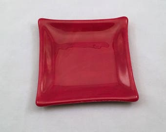 "Red square plate (4"" square)"