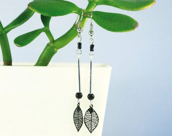 Black leaf Silver earrings
