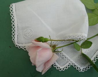 Old linen vintage hankie embroidered with exceptional quality lace