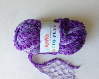 Wool ruffle with pom poms Lavender shades