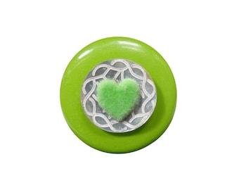 Green mother of Pearl button ring ● velvet heart