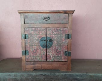 Auxiliary furniture oriental style