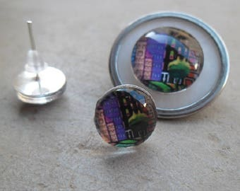Set brooch and earrings studs glass cabochons 10 mm and 14 mm naïve painting theme