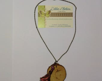 pendant necklace wood and tassel