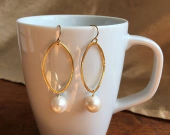 Pearl Dangle Earring