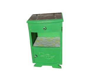 Chevet vintage relooké vert Shrek