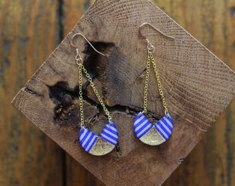 Nice pair of earrings in resin decorated with gold leaf and masking tape marine