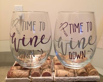 Time to wine down stemless wine glasses!