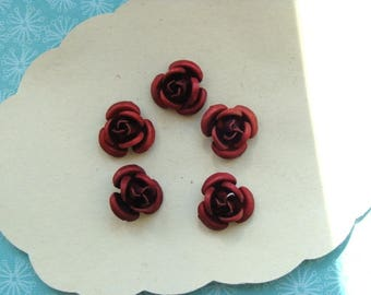 5 roses carmine red metal 10mm diam.