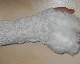 White mittens, wool and faux fur.