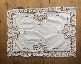 Very Pretty Vintage White Lace Cutout Small Table Cloth, Tray Cloth