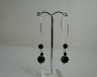 Long earrings black pearls