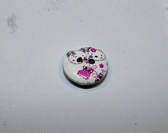 Pink wooden 15 mm in diameter, cats and heart button.