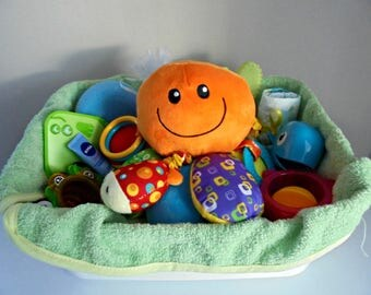 A reusable basket essential accessories for our little fishes swim!