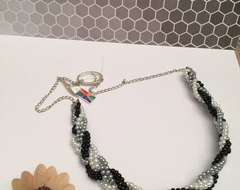 Necklace braid renaissance grey black white beads