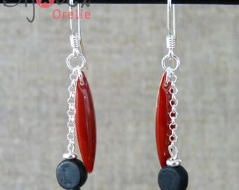 Earrings in silver, dangling, Burgundy shuttle
